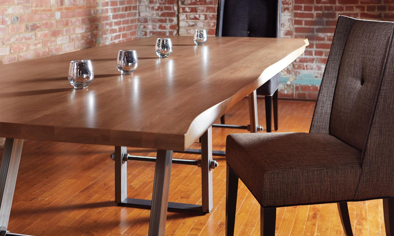 Modèle : Kelsey (À partir de 2299$ – Table 36×60) 2400 (À partir de 599$- Chaise)
